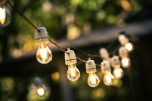 outdoor-string-of-lights